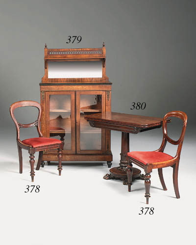 A William IV mahogany tea tabl