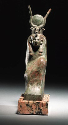 A RARE BRONZE SEATED FIGURE OF