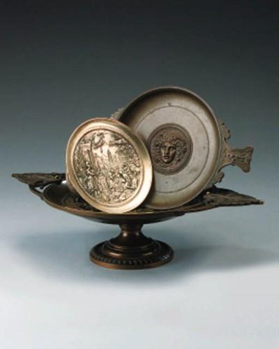 A French bronze tazza