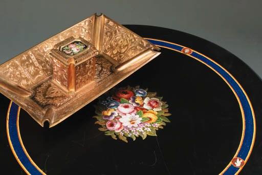 An Italian gilt bronze inkstan