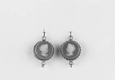 A pair of hardstone cameo earr