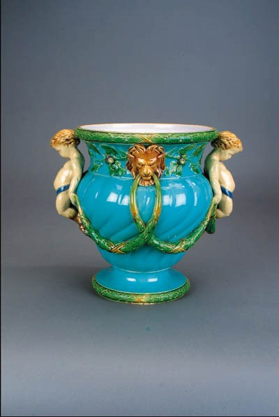 A Minton pale-blue-ground jard