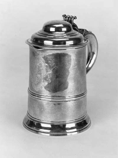 A George III tankard,