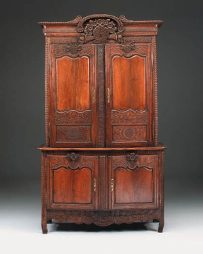 A Normandy carved oak buffet o
