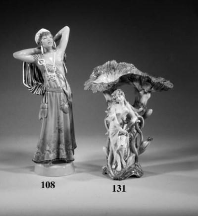 A Dahl-Jenssen porcelain figur