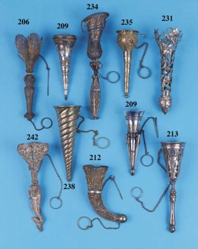 A Victorian silver filigree po