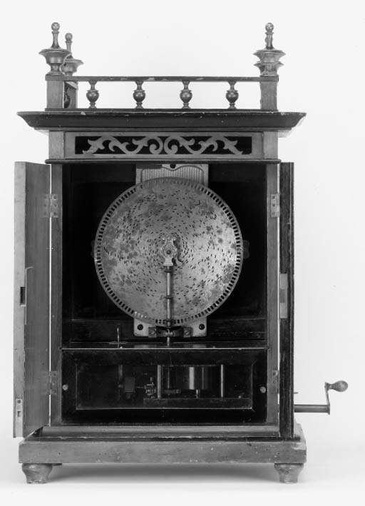 A 'smoker's cabinet' 9-inch di