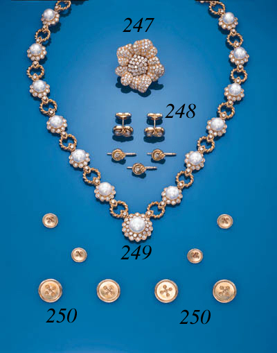 A DIAMOND DRESS-SET
