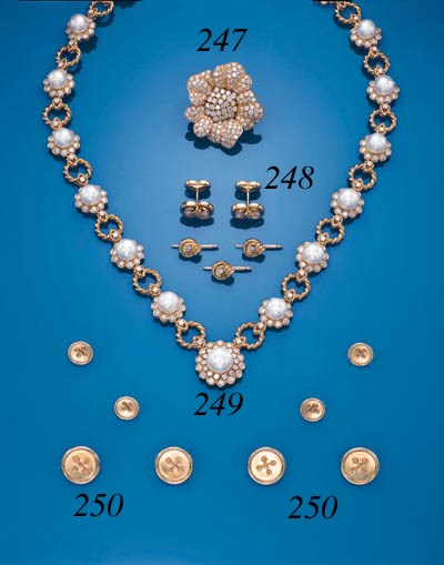A DIAMOND DRESS-SET