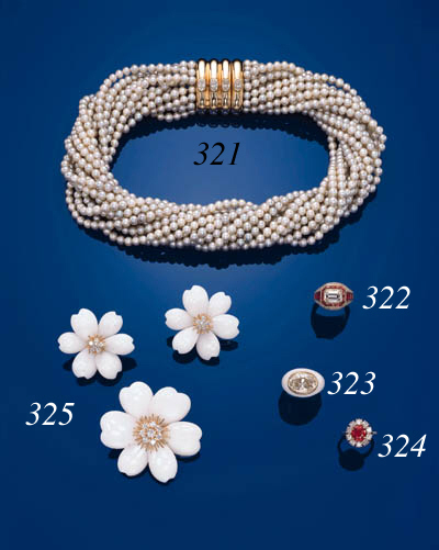 A SUITE OF WHITE CORAL AND DIAMOND JEWELLERY, BY VAN CLEEF & ARPELS