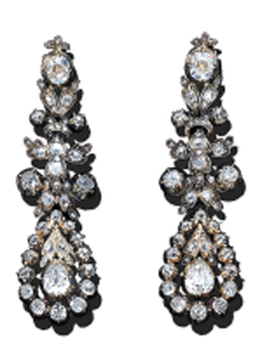 A PAIR OF DIAMOND EAR-PENDANTS