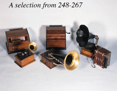 An oak cased horn gramaphone;
