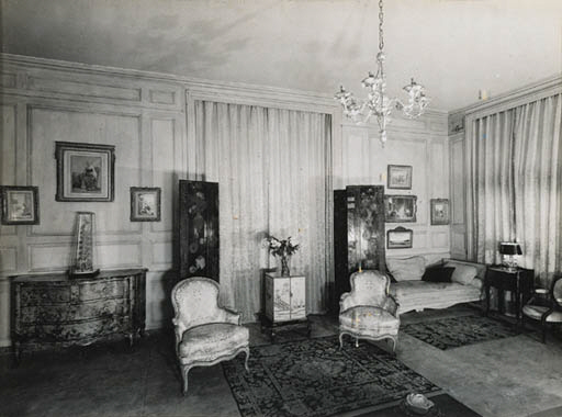 'AN INTERIOR IMAGE OF THE LIVI