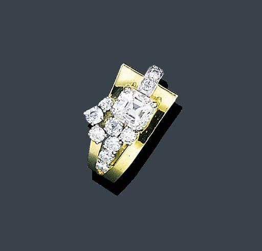 A RETRO GOLD AND DIAMOND RING