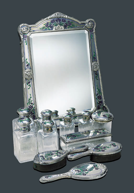 A VERY FINE ANTIQUE SILVER AND