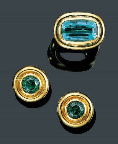 A SUITE OF 18K GOLD AND GREEN