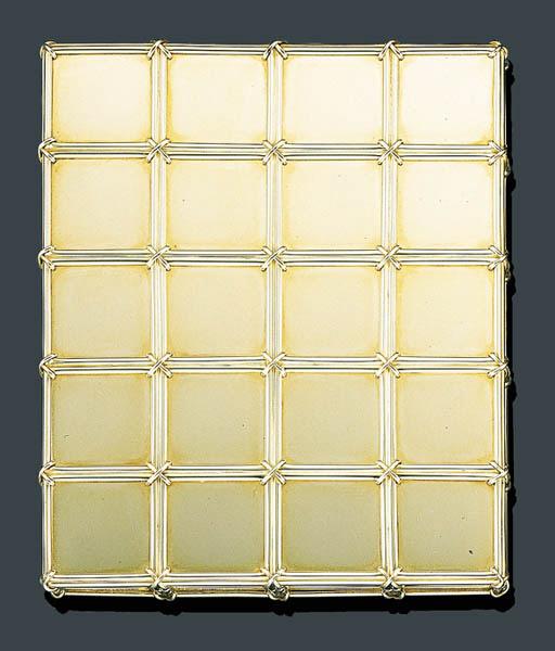 AN 18K GOLD CIGARETTE CASE, TI
