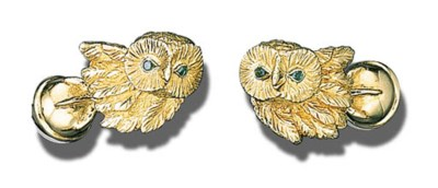 A PAIR OF 18K GOLD AND EMERALD