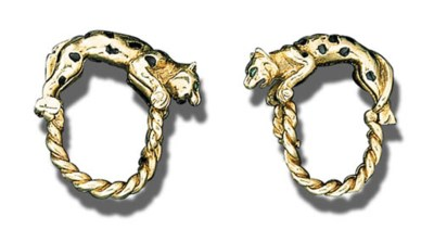 A PAIR OF GOLD, EMERALD AND BL
