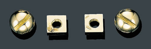 A PAIR OF 18K GOLD NUT AND BOL