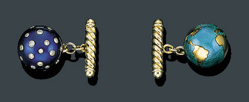 A PAIR OF 18K GOLD, BLUE ENAME