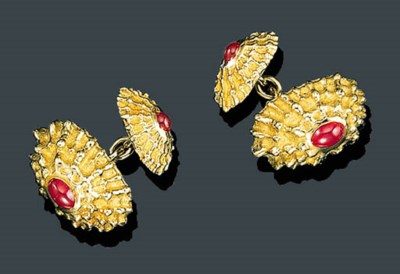 A PAIR OF 18K GOLD AND RUBY SH