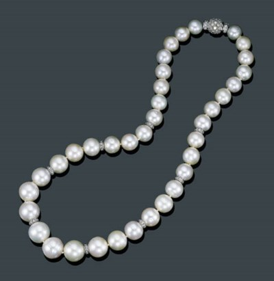 A SINGLE STRAND CULTURED PEARL