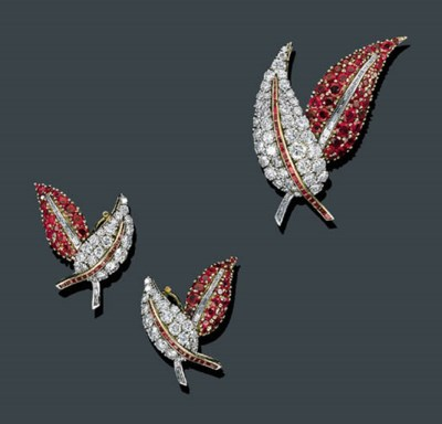 A SUITE OF 18K GOLD, RUBY AND