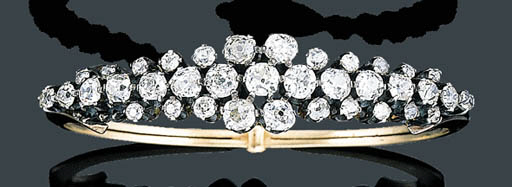 AN ANTIQUE DIAMOND BANGLE BRAC