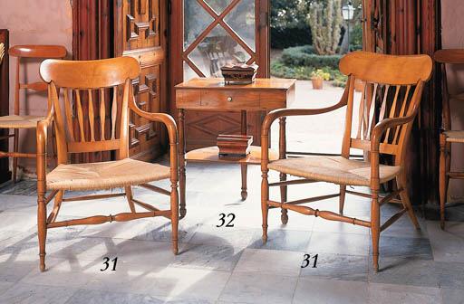 Mesa auxiliar rectangular espa