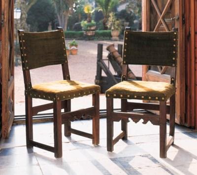 Una pareja de sillas mallorqui