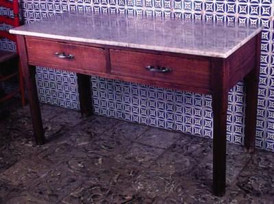 Mesa espaola de cocina en made
