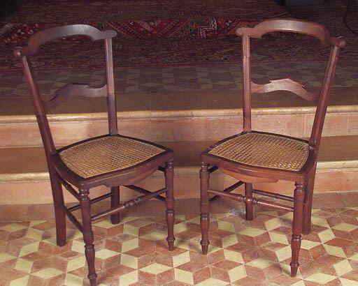 Juego de doce sillas espaolas