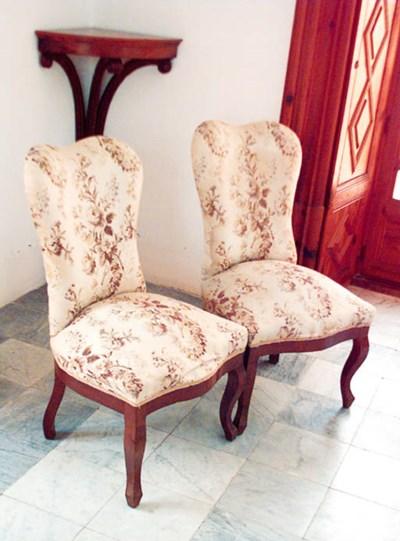 Juego de deis sillas en madera