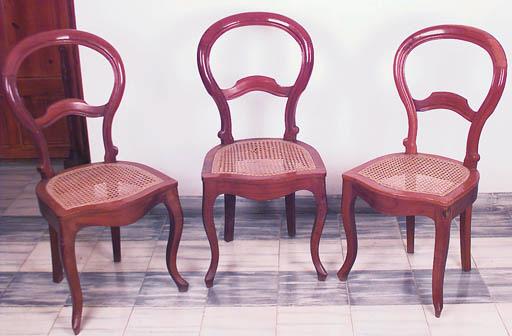 Juego de ocho sillas espaolas