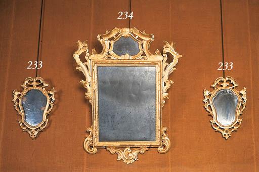 Pareja de espejos venecianos e