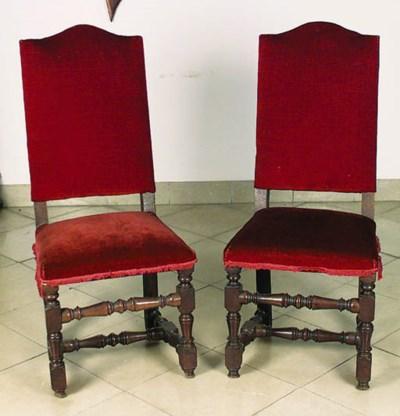 Pareja de sillas espaolas en m