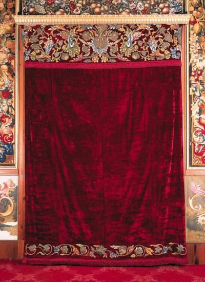 Pareja de cortinas en terciope