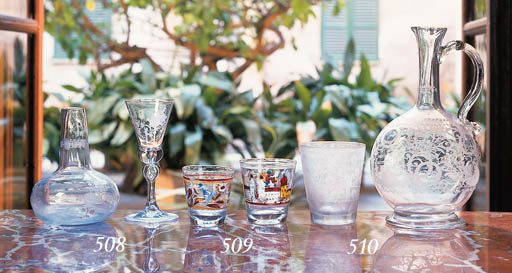 Licorera y dos vasos de crista