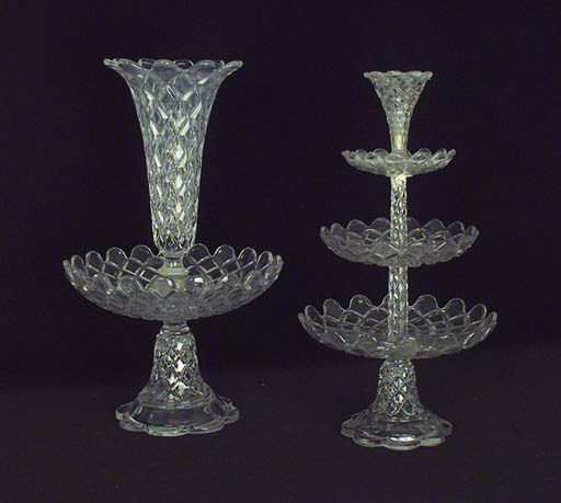 Dos centros de mesa de cristal