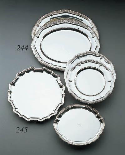 ENSEMBLE DE PLATS EN ARGENT