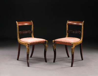 A PAIR OF CLASSICAL GILT-MAHOG
