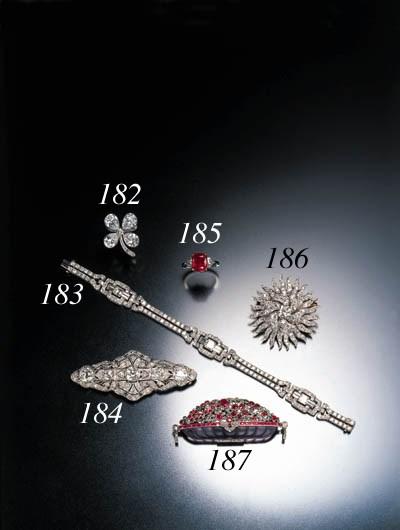 DIAMOND CLOVER DRESS CLIP