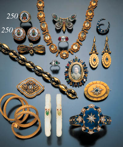 ASSEMBLED SUITE OF MICROMOSAIC JEWERLY