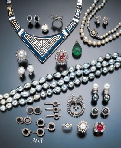SAPPHIRE AND DIAMOND DRESS SET