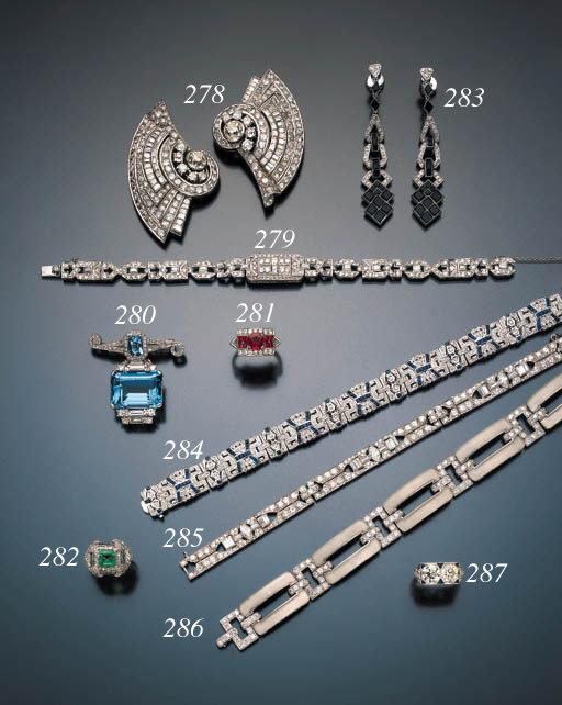 ART DECO TWO STONE DIAMOND RIN