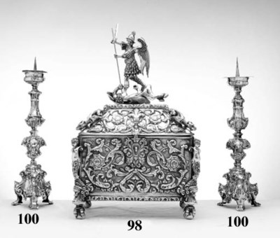 A LARGE SILVER COFFER