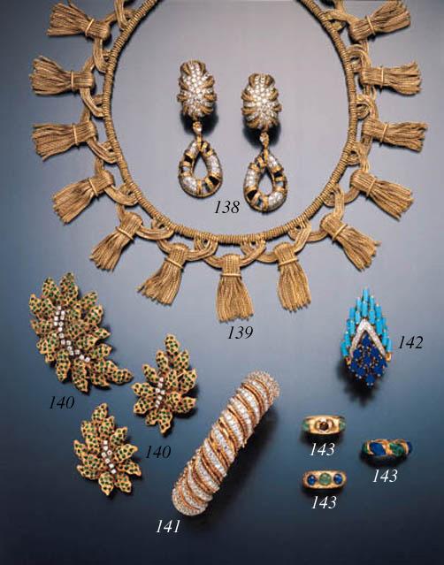 DIAMOND AND GEMSET RING