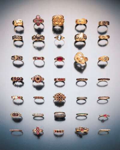 GROUP OF ASSORTED ANTIQUE RING