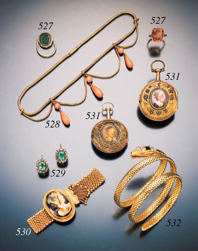 ANTIQUE YELLOW GOLD AND GEMSET